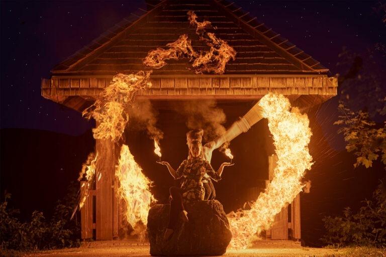 Feuershow mit Mehlstaubexplosion in Ludwigsburg, Heilbronn, Stuttgart für Ihr Event wie Geburtstage oder Firmenfeiern